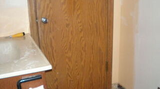 q need some advice, bathroom ideas, doors, home decor