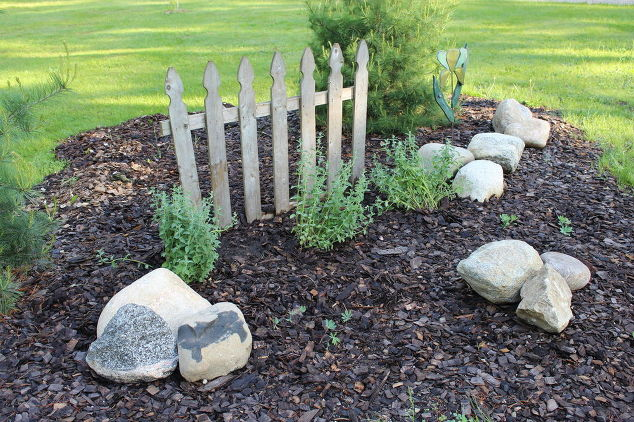 Flower bed picket fence rescue at the small house hometalk for Flower bed fencing