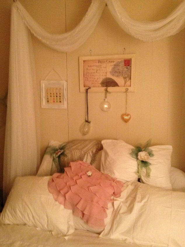 q does this take the place of a head board, bedroom ideas, home decor, painted furniture, wall decor