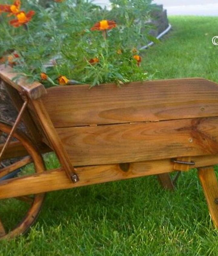 Restoring the wheelbarrow :)