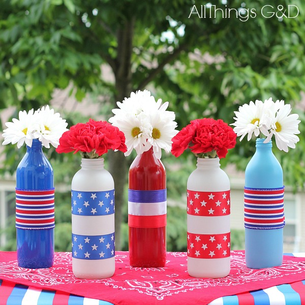 patriotic painted glass bottles crafts patriotic decor ideas seasonal holiday decor - How To Paint Glass Bottle