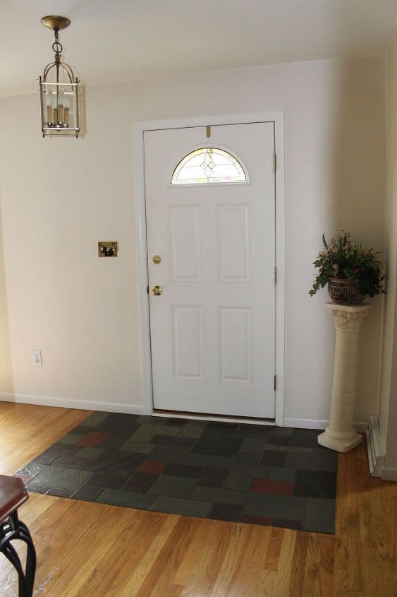 q entryway foyer decor ideas, foyer, home decor, Should I try a different plant or something else in this corner besides the plant stand The blank wall makes me unsure if I should put some pictures or wall art