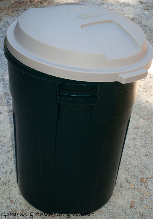 easy composting, composting, go green, 35 Gallon Plastic Trash Can