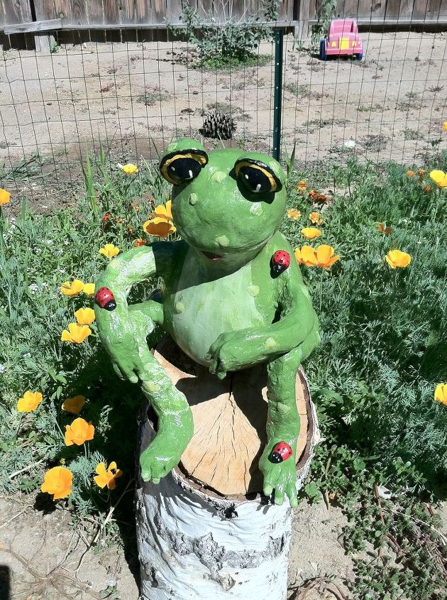 our garden frog out of gourds, crafts, gardening, Our Gourd Garden Frog