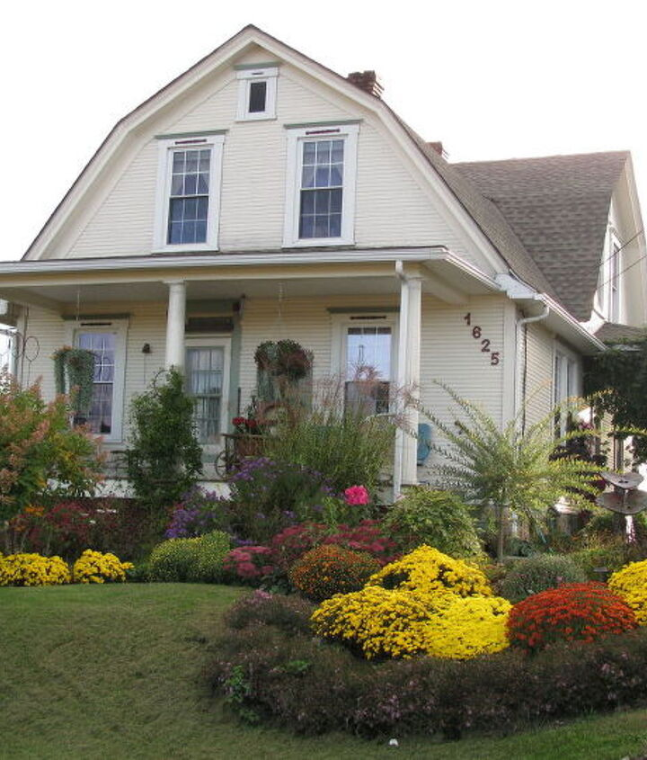 This is just a photo of what my front garden looked like in the fall of 2011.  Hope you enjoy!