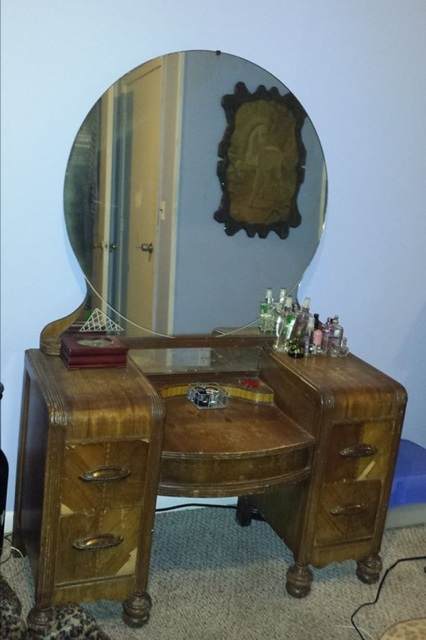 staining wood vanity vintage renew, painted furniture - Staining A Wooden 1942 Vanity Table Back To Life Hometalk