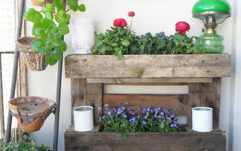 Pallet Wall Garden for Small Balconies