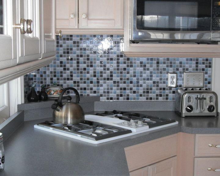 Kitchen Backsplash- it\'s not tile it\'s a DECAL! | Hometalk