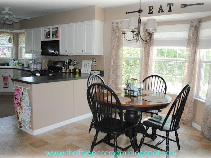 painting kitchen cabinets, kitchen cabinets, kitchen design, painting, Eat in area painted kitchen cabinets