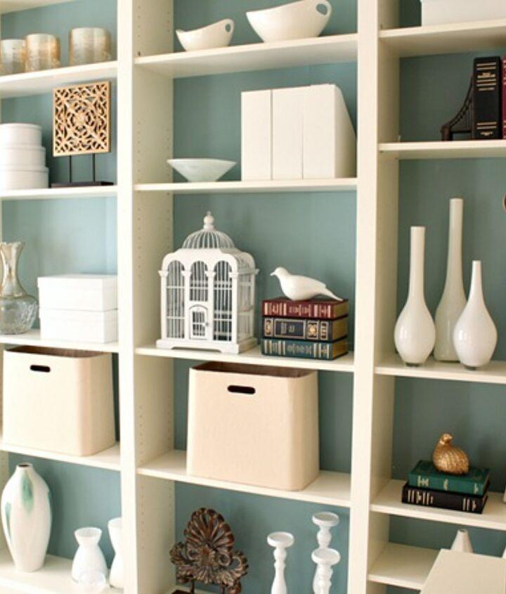 Built in Ikea bookshelves http://justagirlblog.com/billy-bookcases-diy/