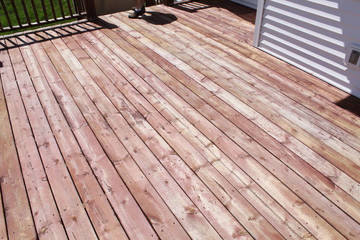 """Our horrific """"before""""--and this was after it had been power washed. Ick. http://justagirlblog.com/deck-decor-lowes-creative-ideas/"""
