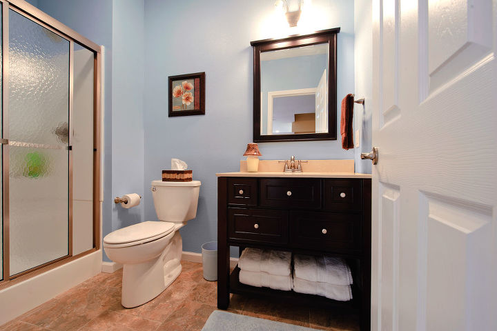 3/4 bathroom with 3x4 stand up shower