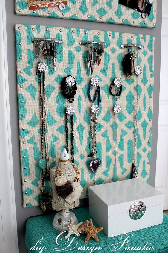 stenciled burlap jewelry organizer, crafts, storage ideas