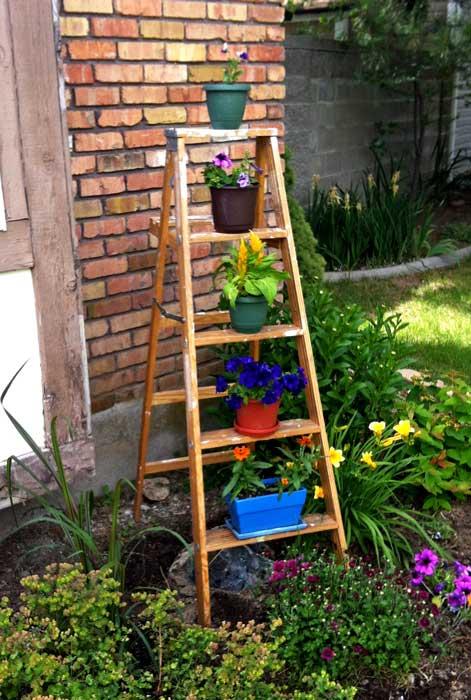 Step Ladder as garden planter
