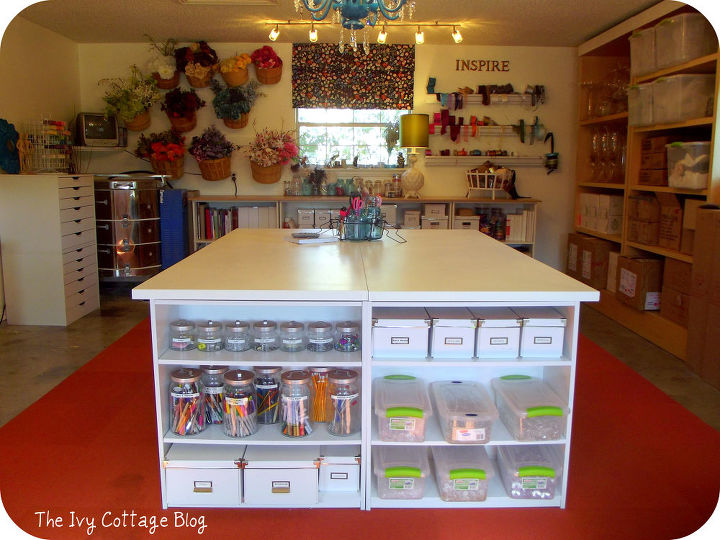 Diy crafting table hometalk for Diy craft table with storage