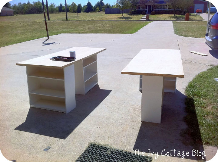 Diy crafting table hometalk for Crafts table with storage