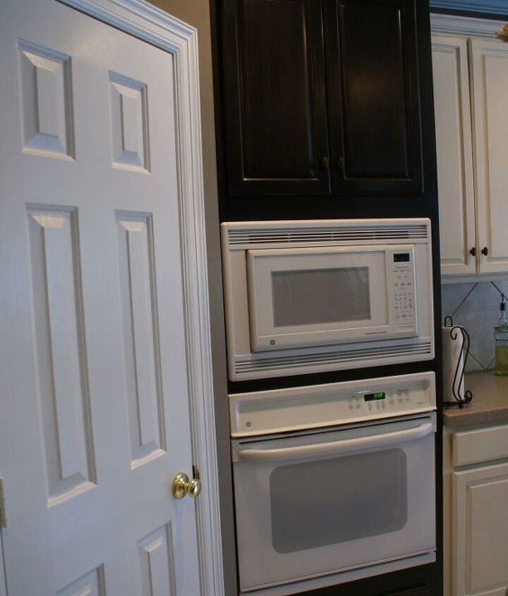 Dealing with white appliances turned into fun as I surrounded the white with dark, making the tower look like a custom built piece.