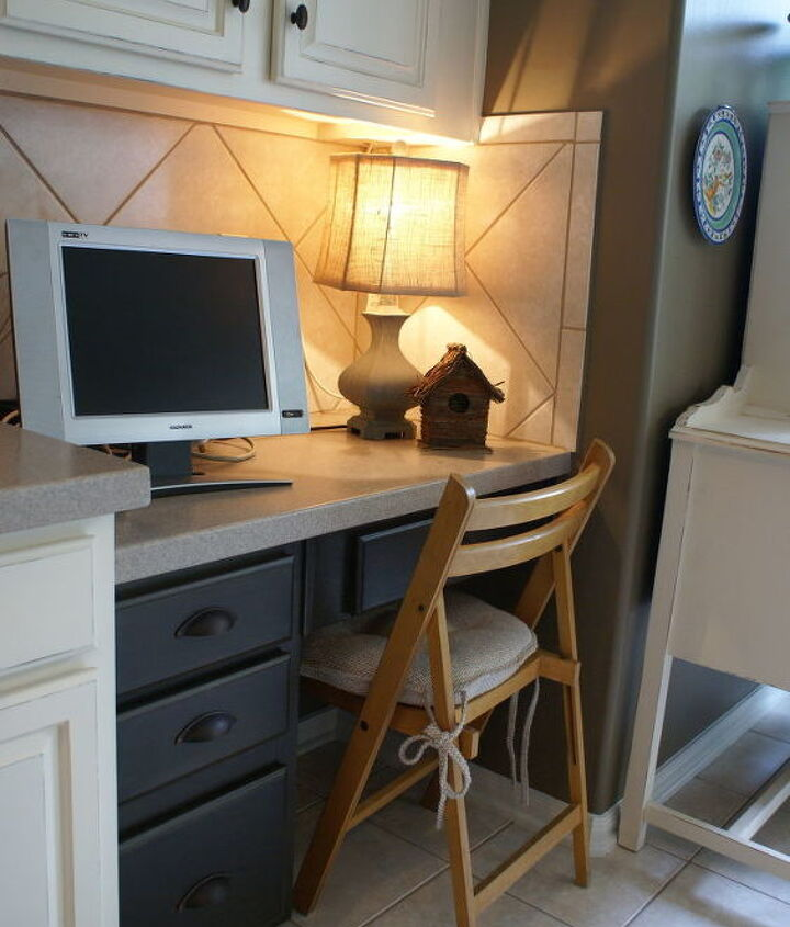 The built in desk was also painted dark giving it a built in custom feel.