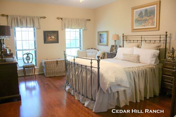antique french linens, bedroom ideas, home decor, Love the look of adding French linens to my bed