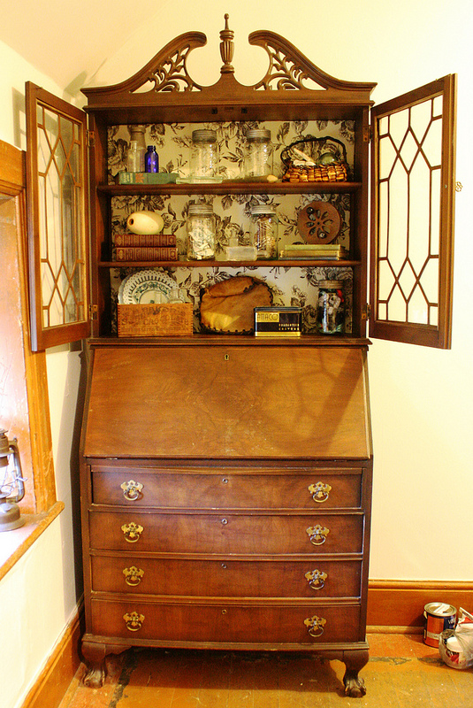 freebie vintage secretary desk with hutch, home decor, painted furniture, This walnut secretary desk with hutch was built by The National Table Company which existed in Owen Sound Ontario until the mid 20s