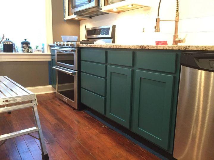 galapagos blue kitchen, kitchen design, painting