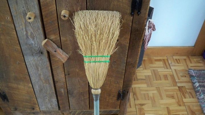 q corn broom, cleaning tips, house cleaning