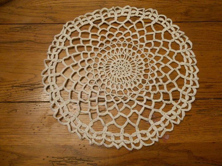 criar rendas de cimento usando doilies e outros itens de crochê, alvenaria de concreto, jardinagem de contêiner, artesanato, jardinagem, como fazer, doily Crochet