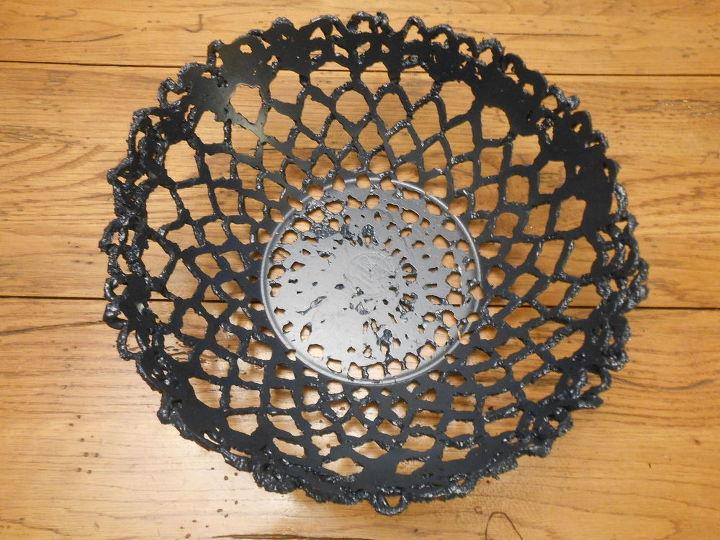 Cement bowl using a crochet doily