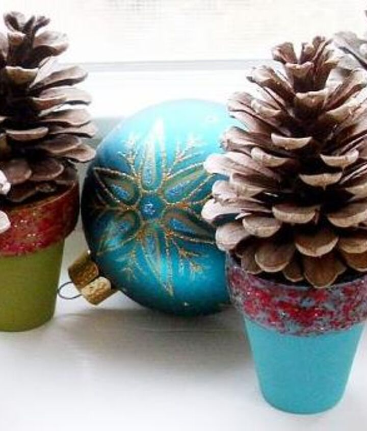 These mini pinecone tree pots are perfect for the window, for your mantel, or even as place setting favors!