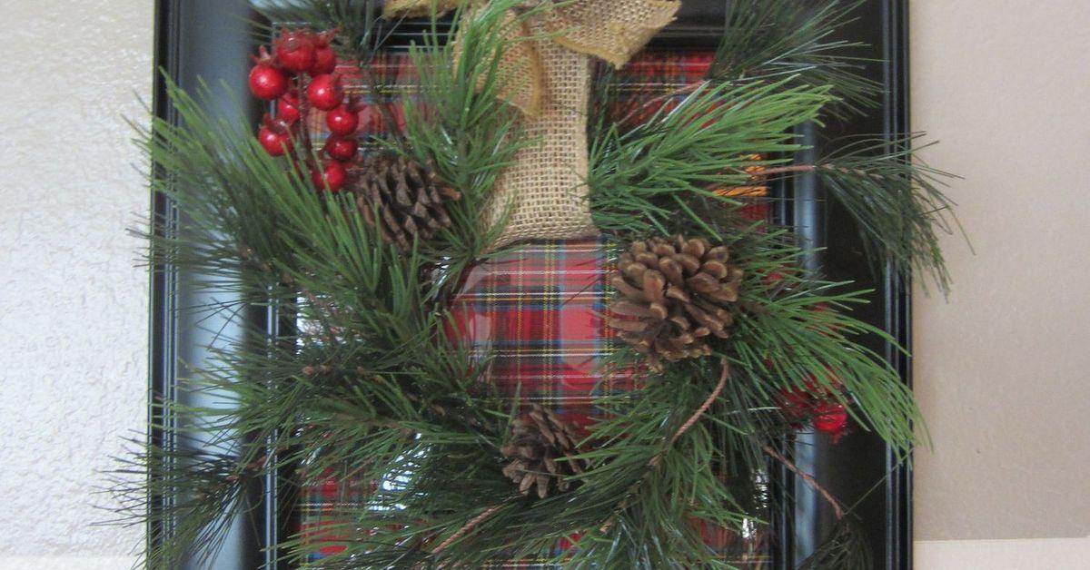 How to make a Christmas frame wreath | Hometalk