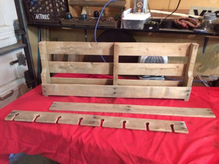 How to Make a Pallet Wine Rack | Hometalk