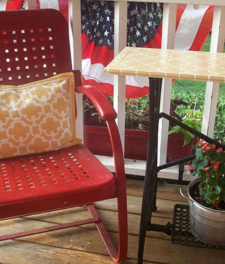 My favorite things are our vintage metal chairs, and the table made from a 1906 White sewing machine. Many thanks to MWHP (My Wonderful Hubby Phil) for wrangling that machine back home from the flea market I found it at.
