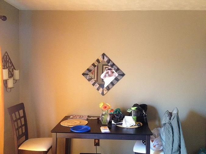 q any ideas would be helpful what else can i do with this wall i love the mirror, home decor
