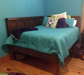 Picture of: Corner Queen Size Bed Using 2 Old 5 Panel Doors Vintage Headboards Hometalk
