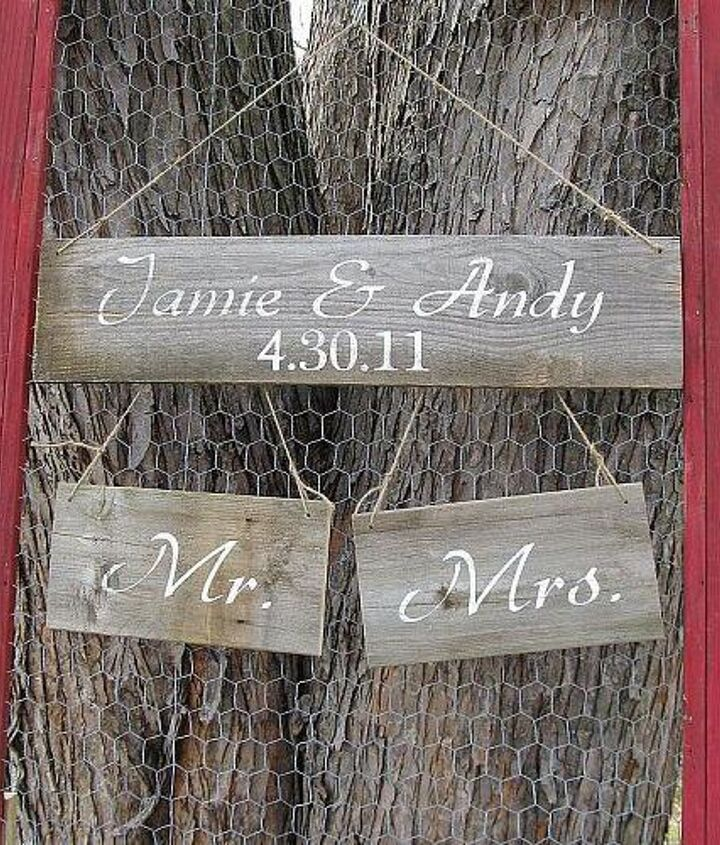 I removed the screen and added some curbed chicken wire in order to hold my rustic wedding signs at my shows.