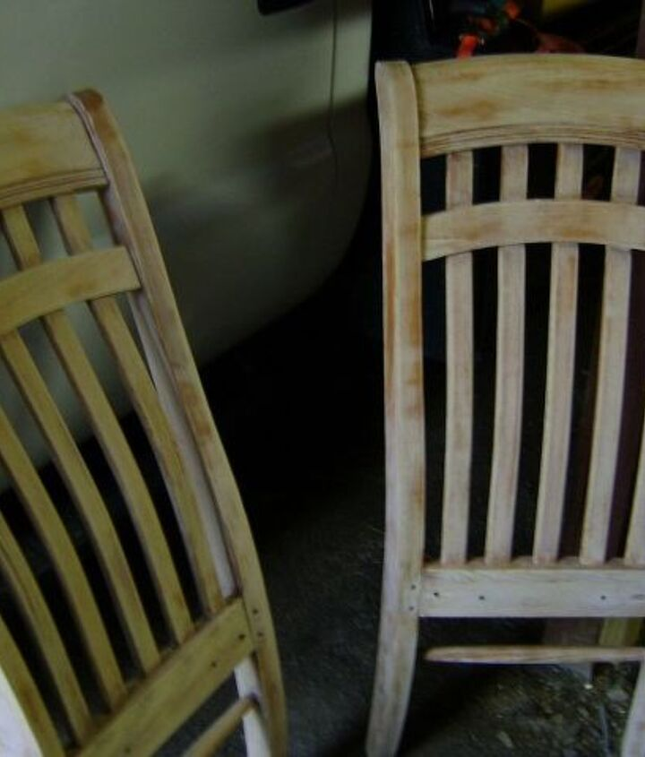 a regular ole curb find--4 chairs