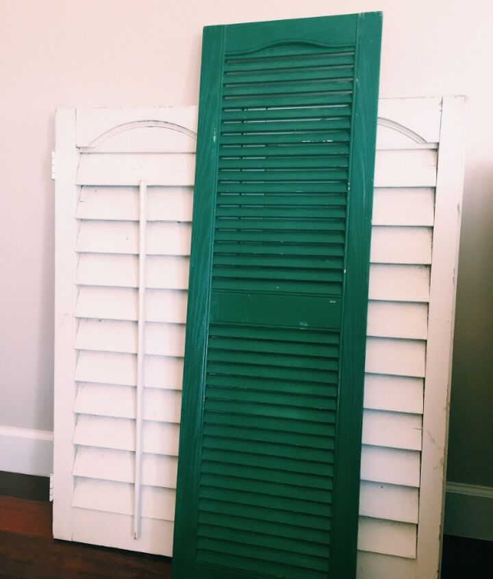 use an old shutter for a table runner, dining room ideas, easter decorations, repurposing upcycling, seasonal holiday decor