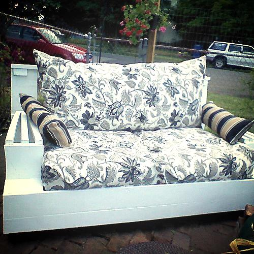 upcycle indoor love seat to outdoor couch, outdoor furniture, painted furniture, repurposing upcycling, Finished product I used the cushions and the stuffing from the original couch and had the fabric for the back and arm pillows Total project cost 40 spray paint and seat cushions fabric