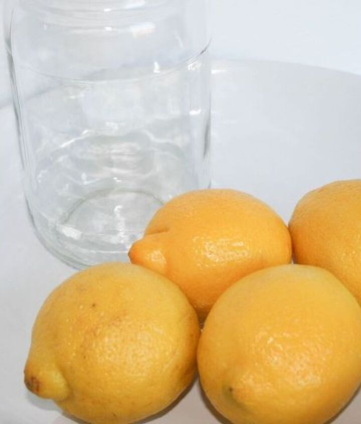 1. Peel the lemons and only keep the peels, cut them into small pieces and put them inside a medium size mason jar
