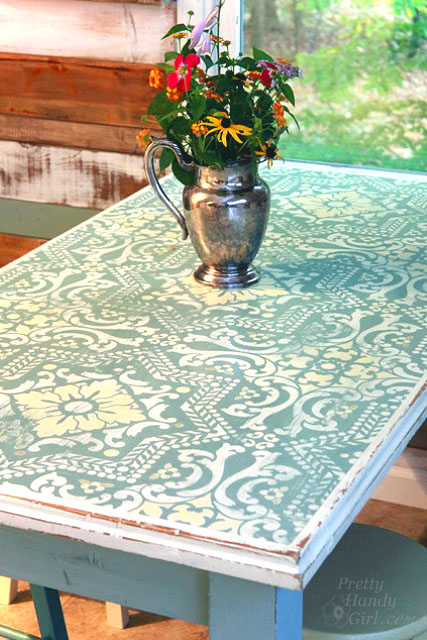 Dumpster table got an antique Scandinavian look with chalk paint and the Lisboa stencil from Royal Design Studio