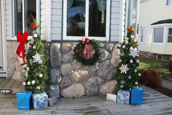 tomato gage christmas trees, christmas decorations, outdoor living, seasonal holiday decor