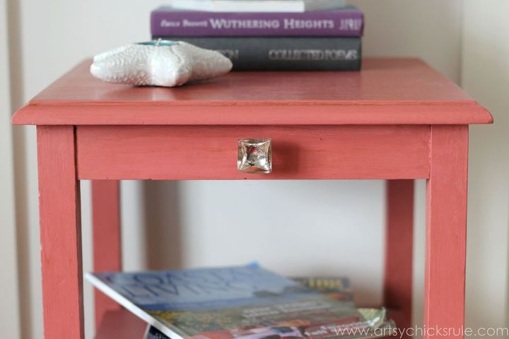 Thrifty Side Table Makeover {Annie Sloan Chalk Paint®}   Hometalk