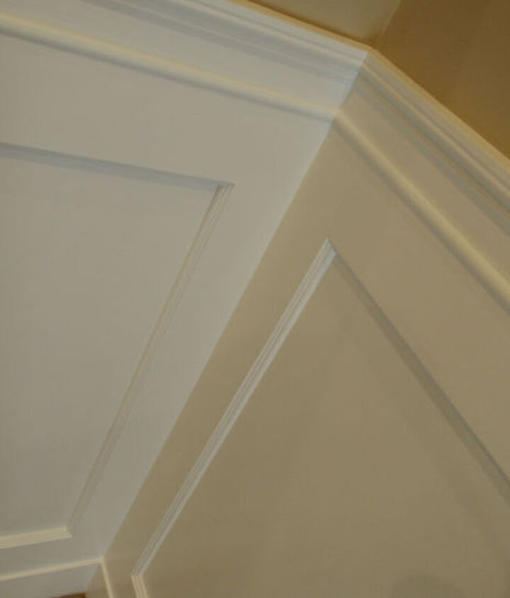 A close-up of the wainscoting.