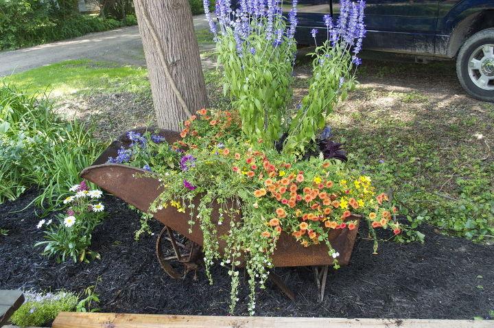 gardening wheelbarrow planter, flowers, gardening, repurposing upcycling
