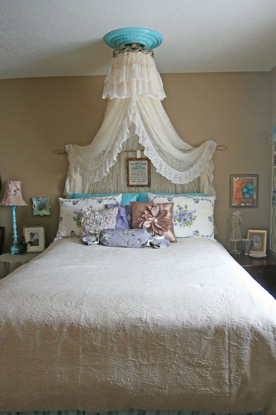 Vintage Aqua Bedroom Idea | Hometalk