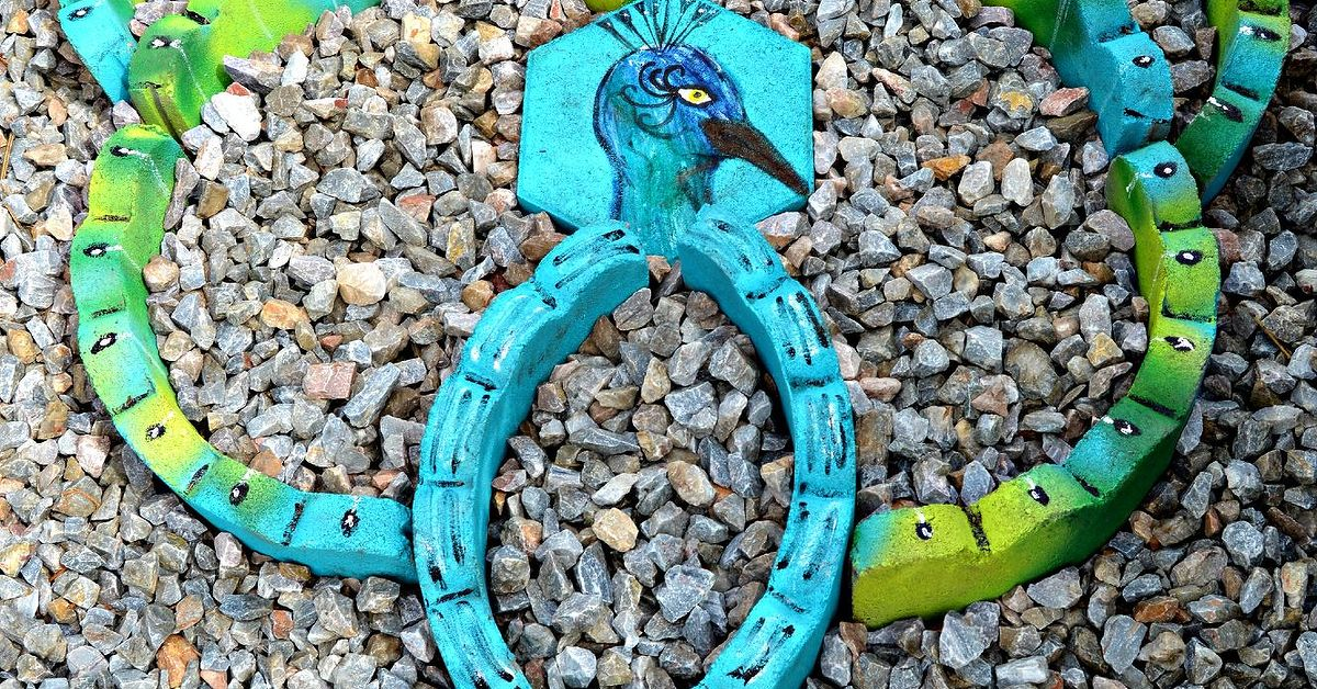 Landscaping materials turned into garden art hometalk workwithnaturefo