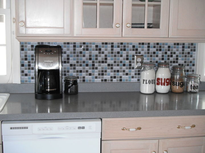 Kitchen Backsplash- it\'s not tile it\'s a DECAL! | Hometalk