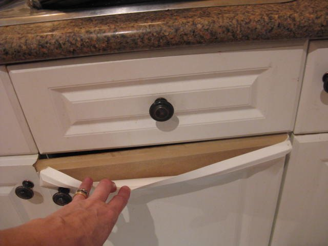 Incredible How Do You Paint Laminate Kitchen Cupboards When Theyre Home Interior And Landscaping Ologienasavecom
