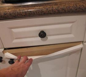 Q How Do You Paint Laminate Kitchen Cupboards When It S Peeling, Kitchen  Cabinets,