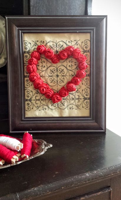 Framed Heart Valentine\'s Day Decor & Free Printable | Hometalk